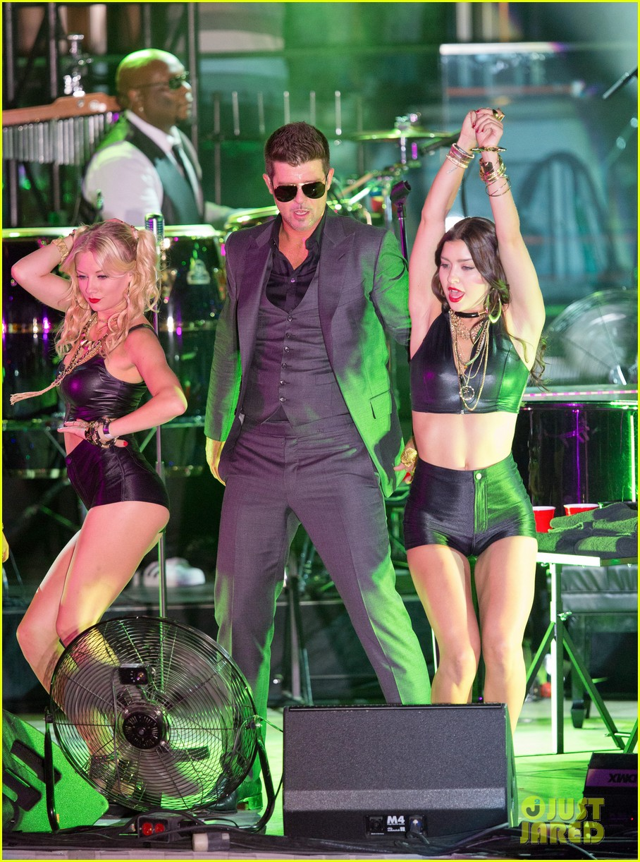 robin thicke files lawsuit to protect blurred lines 08