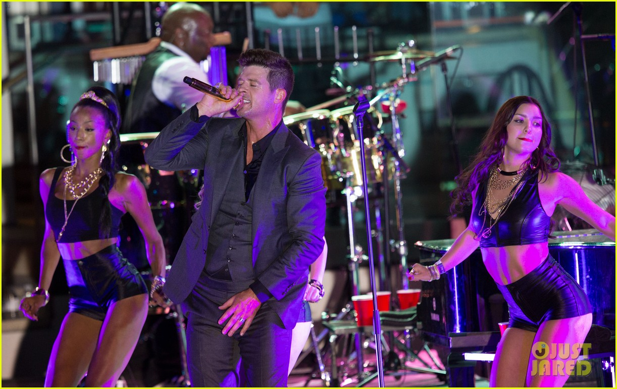 robin thicke files lawsuit to protect blurred lines 12