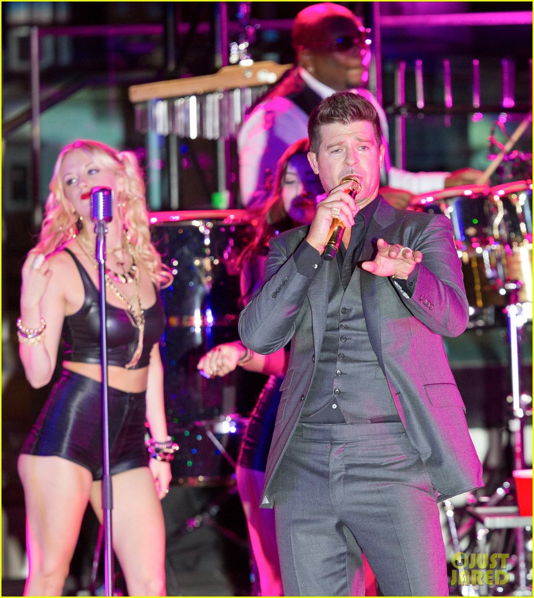 robin thicke files lawsuit to protect blurred lines 172932785