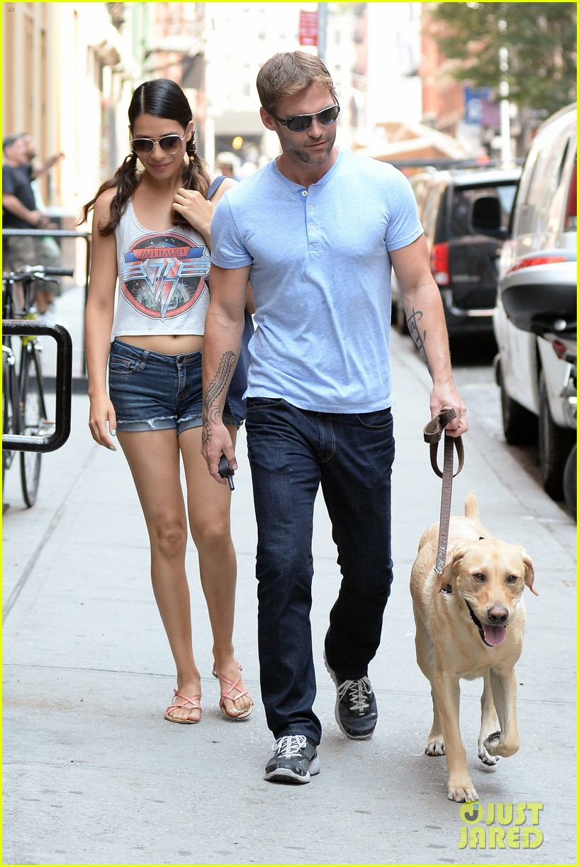 seann william scott looking super buff in new york city 08