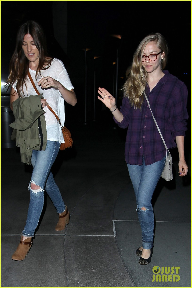 amanda seyfried had so much fun with jennifer carpenter 062936072