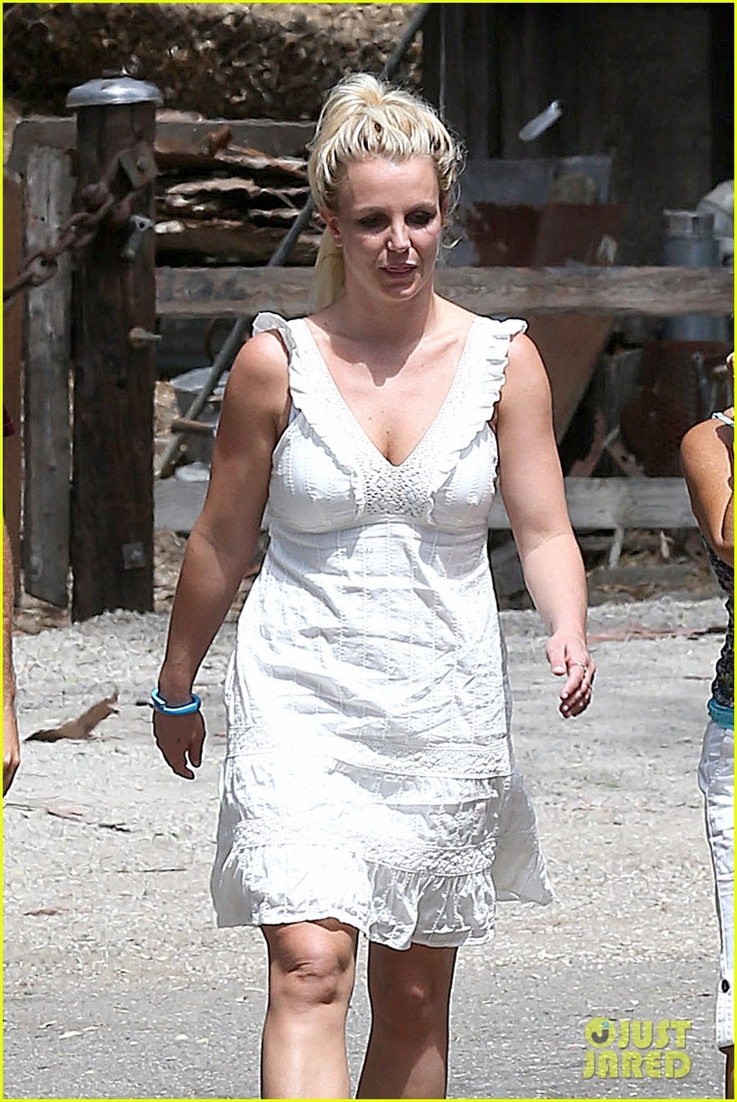 britney spears lunches with david lucado mom lynne 10