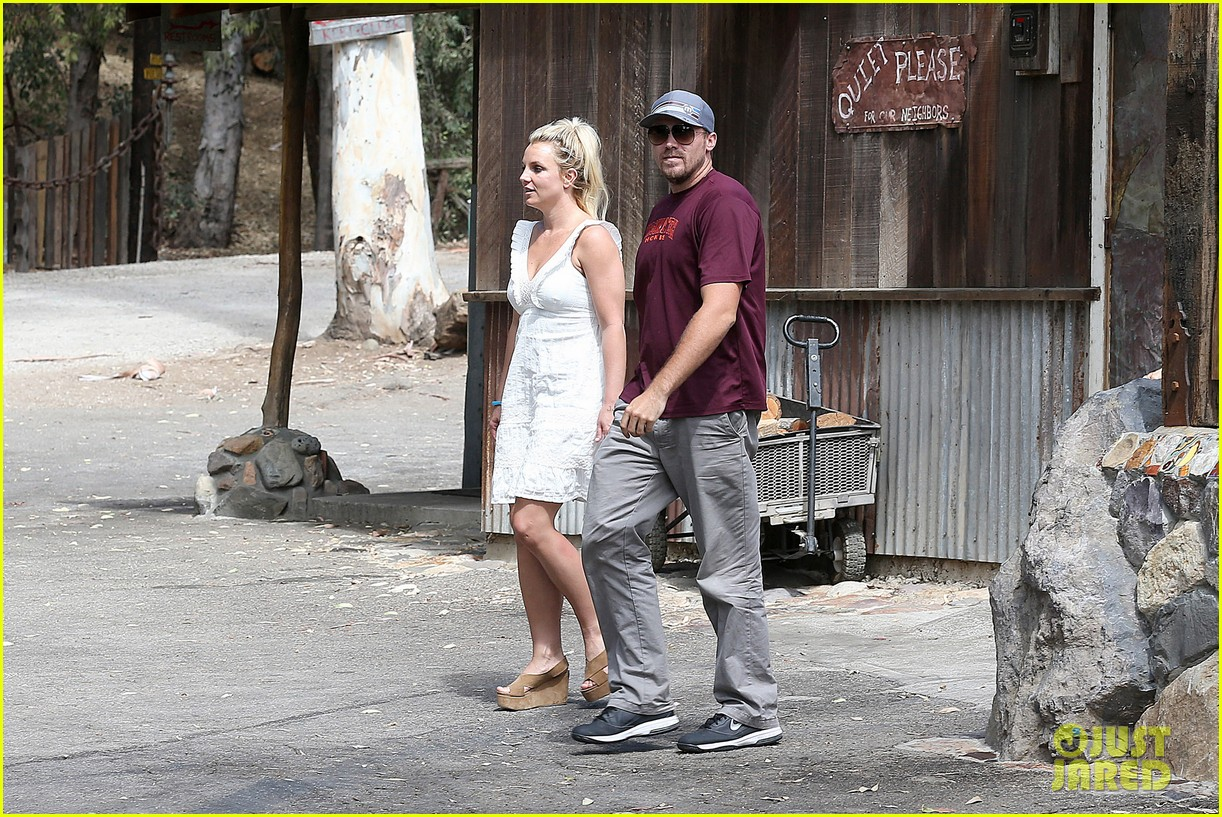 britney spears lunches with david lucado mom lynne 152941420