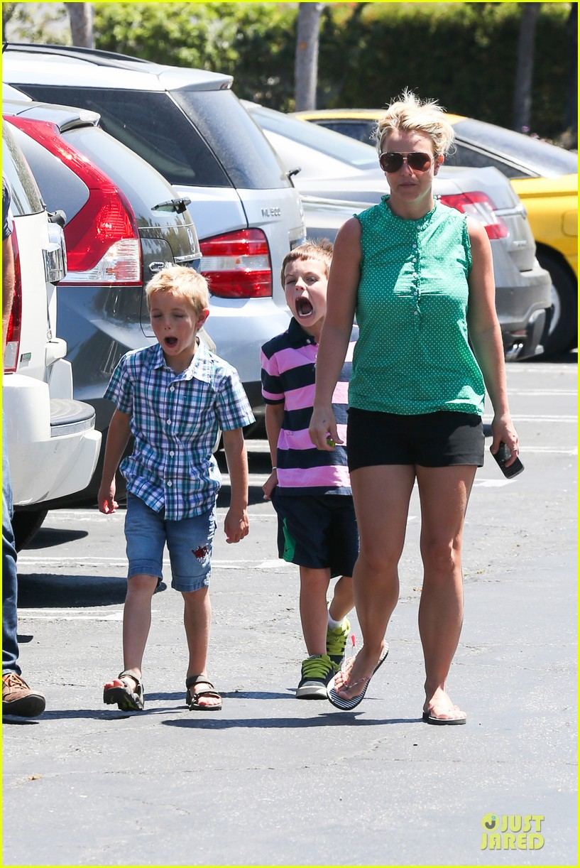 britney spears movie day with jayden james sean preston 05