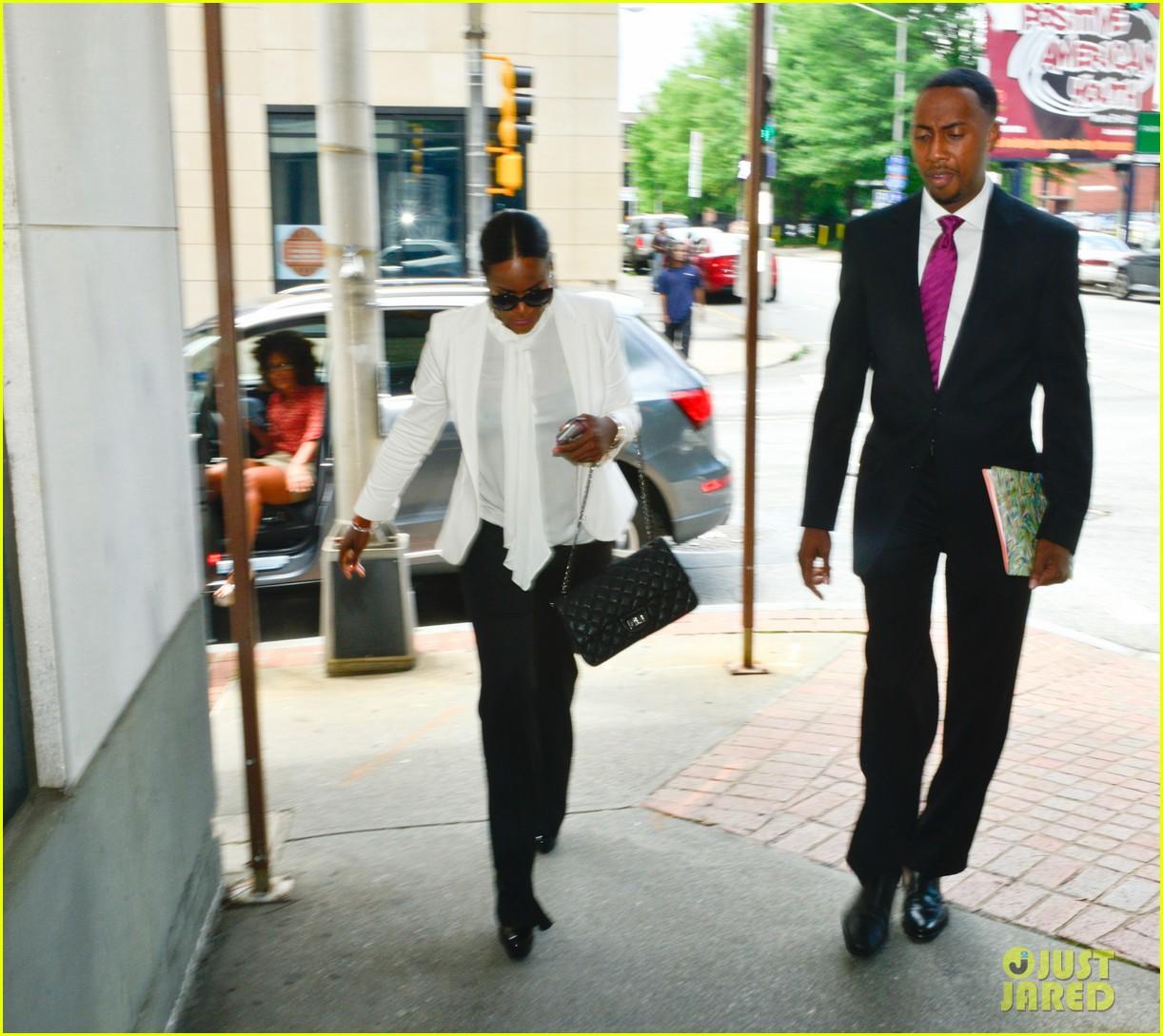 usher wins custody battle hugs tameka foster after trial 052926786