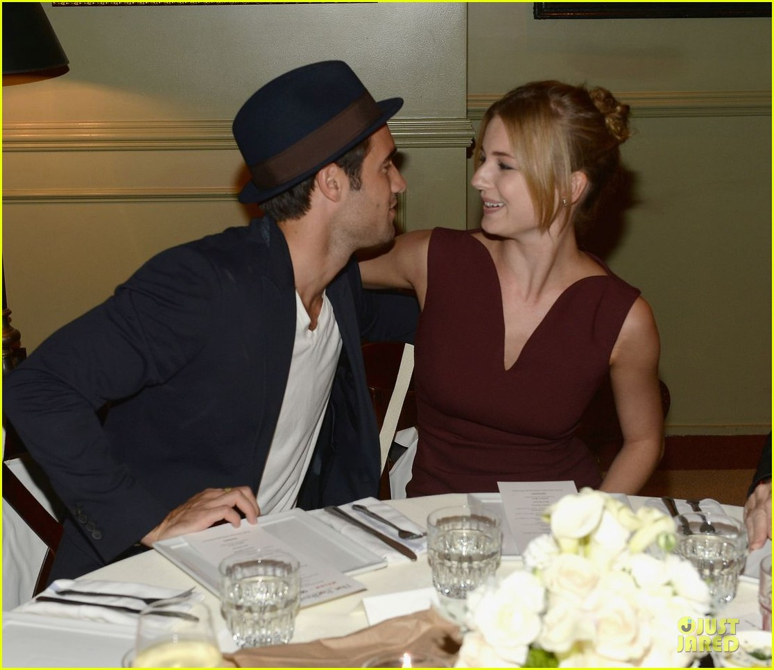 emily vancamp josh bowman nylon september cover party 02