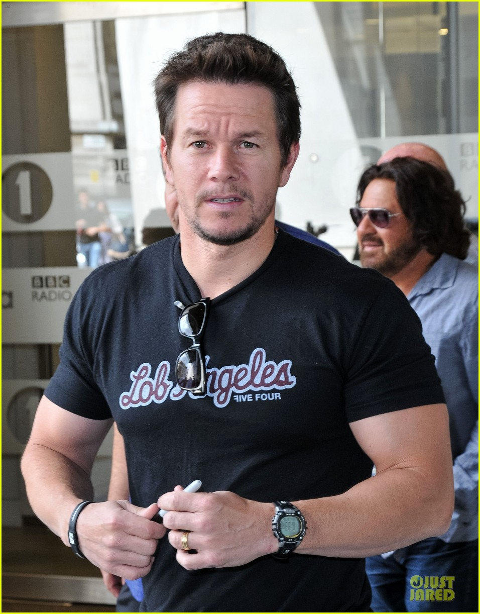 mark wahlberg gives advice for justin bieber 142925142