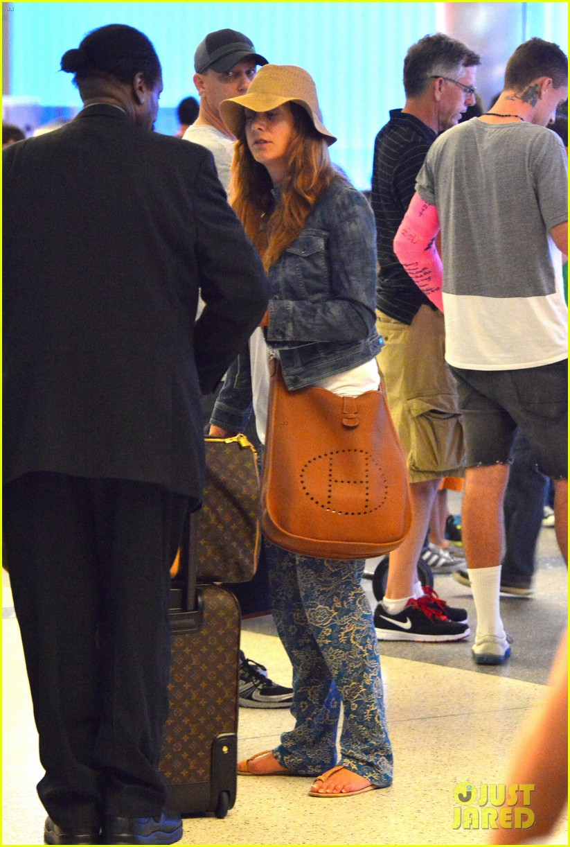 kate walsh ends caribbean vacation with flight to lax 09