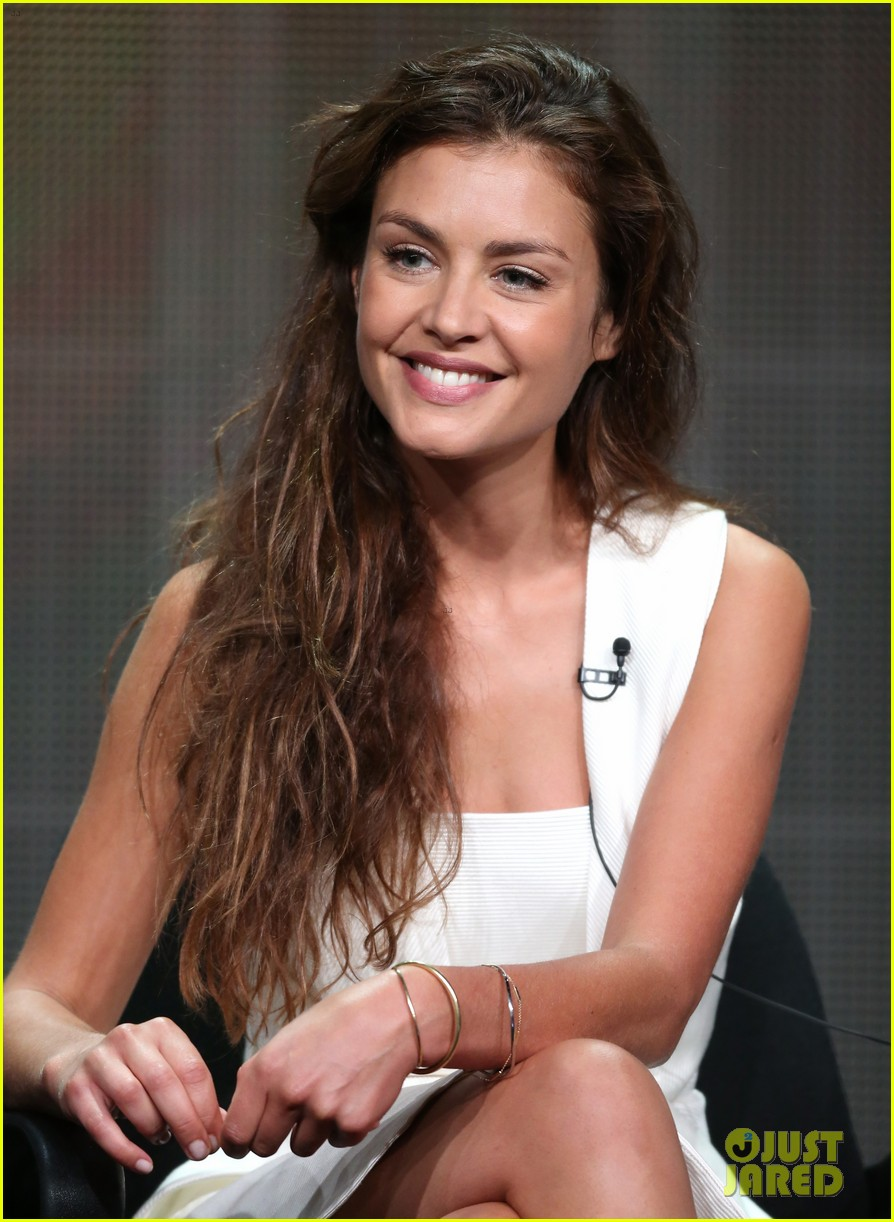 hannah ware camilla luddington abc tca party 06