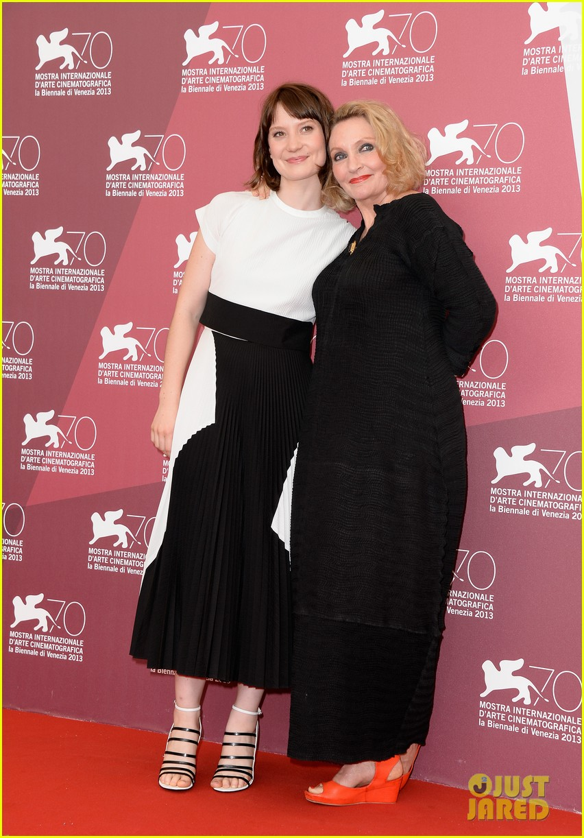 mia wasikowska tracks venice photo call 132940059