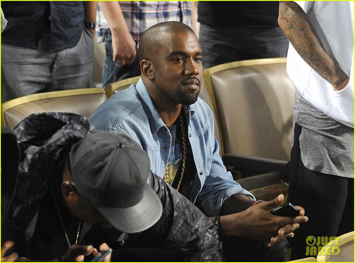 kanye west dodgers game after kim kardashian steps out 02