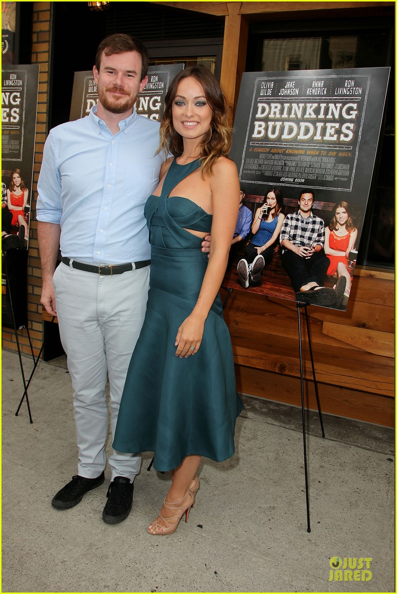 olivia wilde drinking buddies nyc screening 052933625