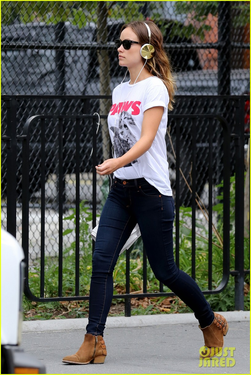 olivia wilde drinking buddies promo work in new york 15