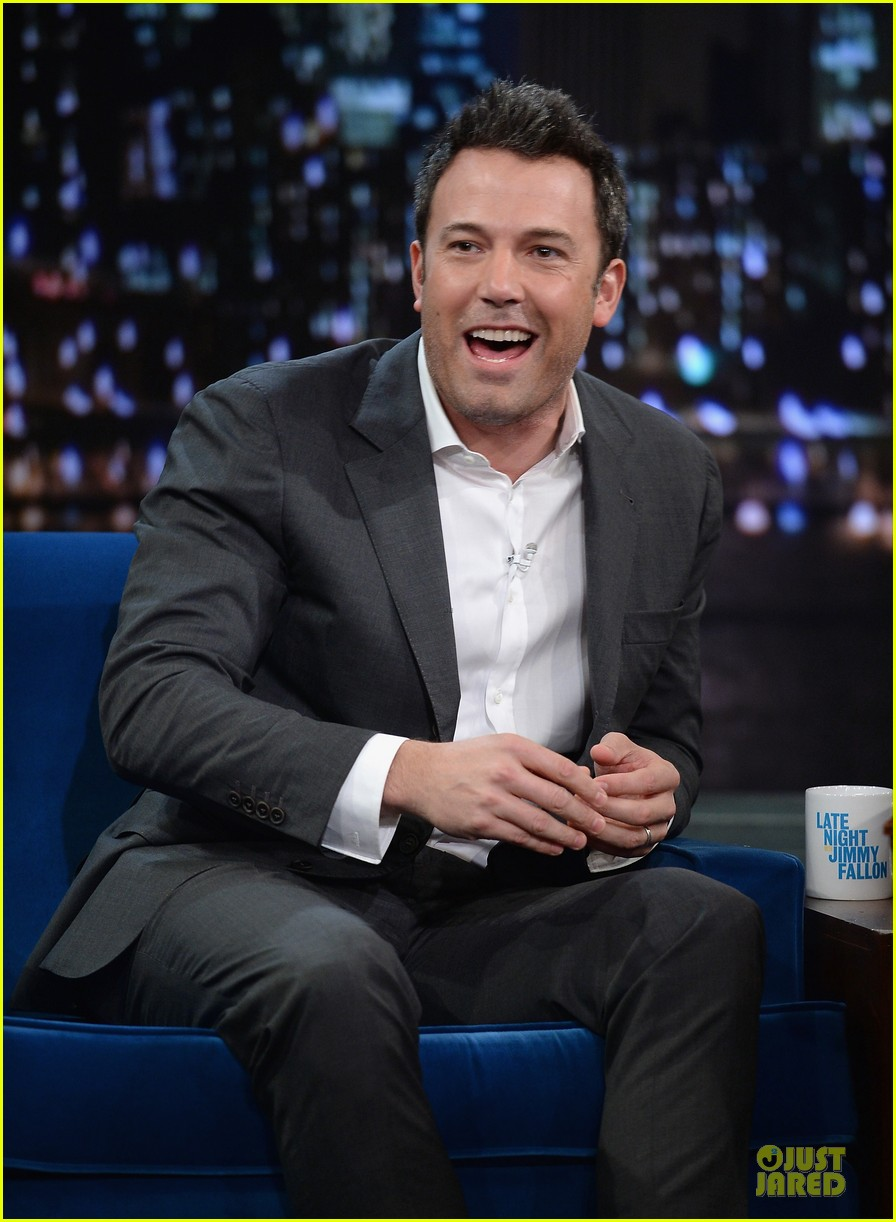 ben affleck mindy kaling late night with jimmy fallon guests 02
