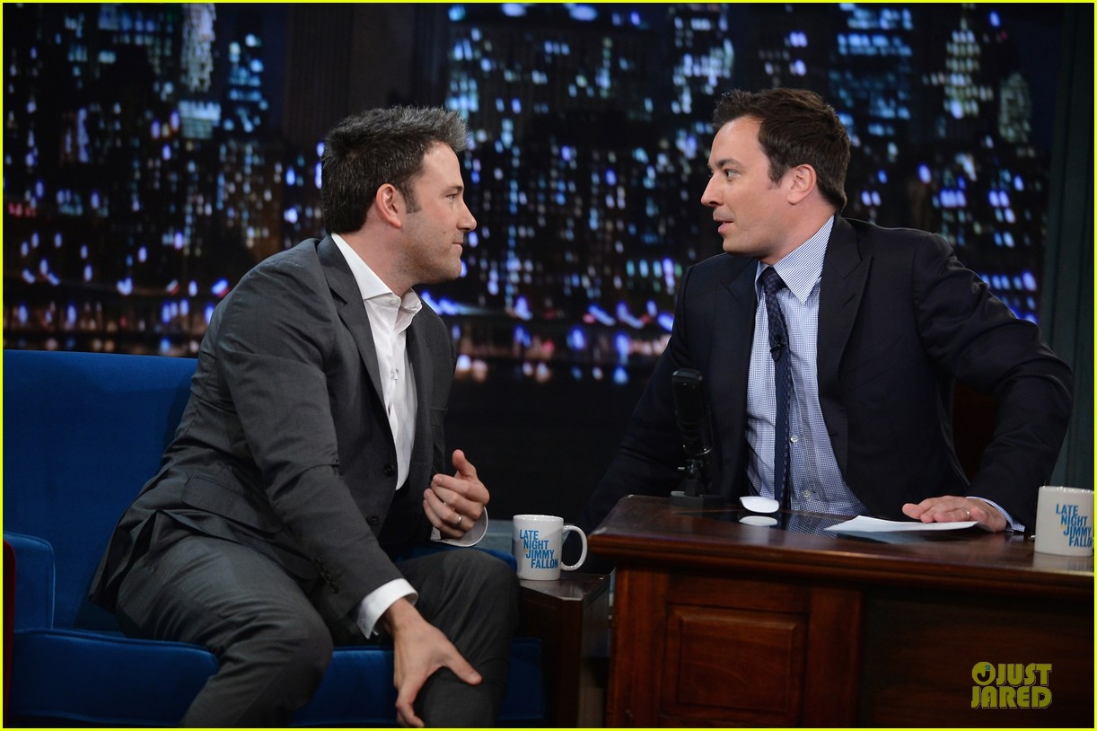 ben affleck mindy kaling late night with jimmy fallon guests 09