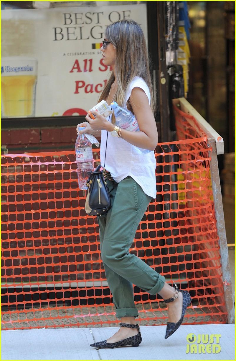 jessica alba rashida jones charlotte ronson fashion show 28