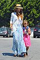 jessica alba labor day grocery shopping with honor 08
