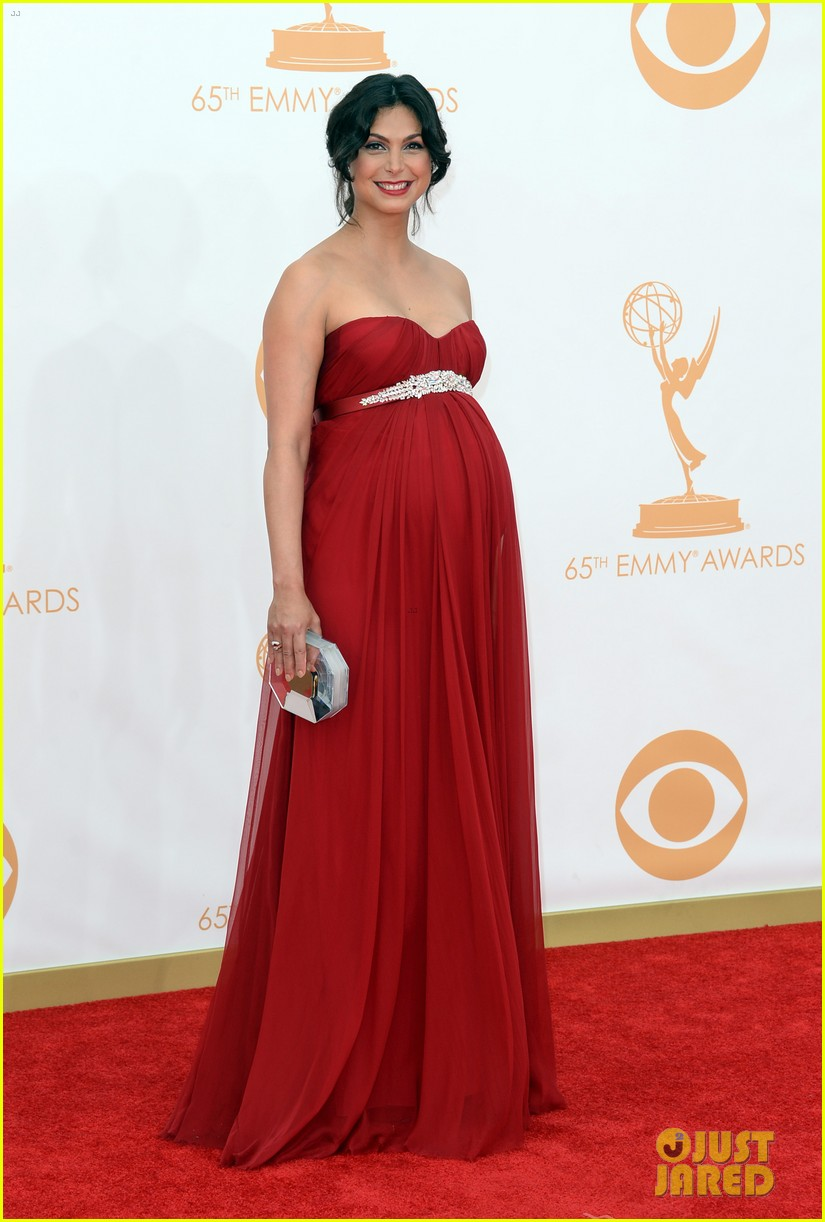 pregnant morena baccarin emmys 2013 red carpet 12