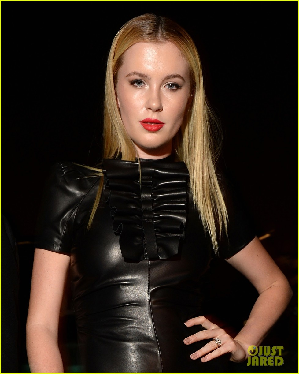 ireland baldwin suki waterhouse dsquared2 cocktail party 042955608
