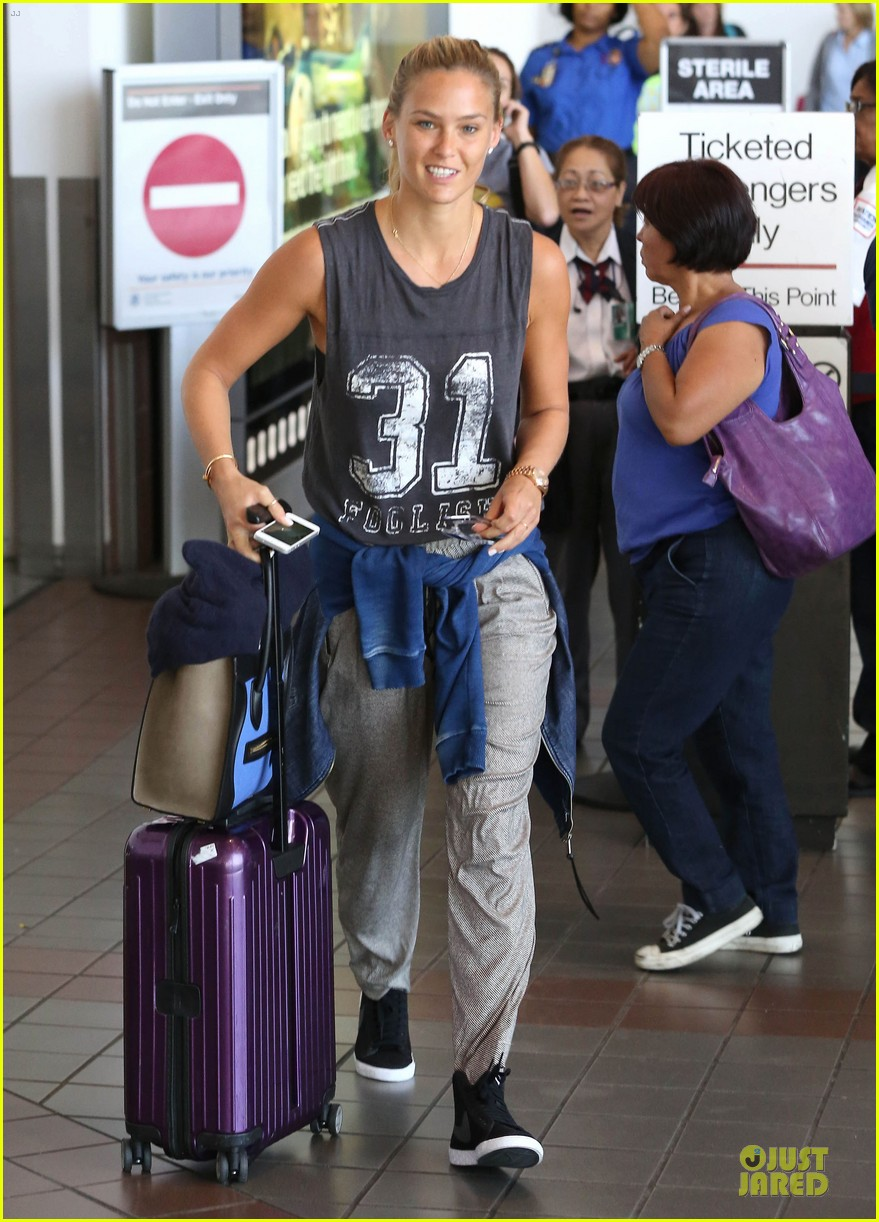 bar refaeli foolish beauty landing at lax airport 11