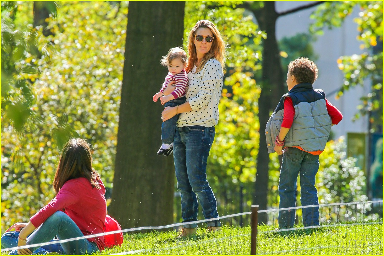 drew barrymore will kopelman central park fun with olive 23