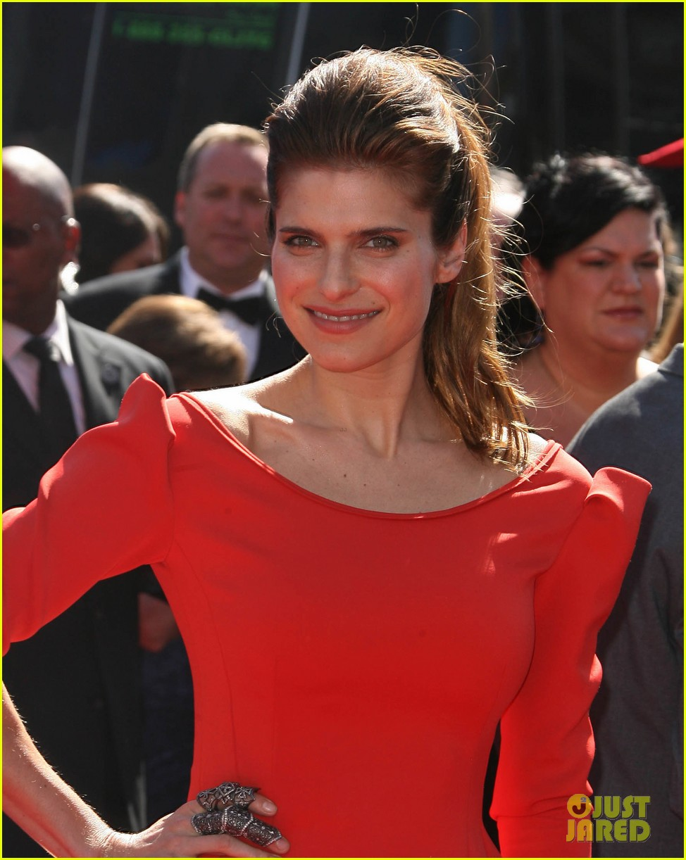 lake bell creative arts emmys 2013 red carpet 022953093
