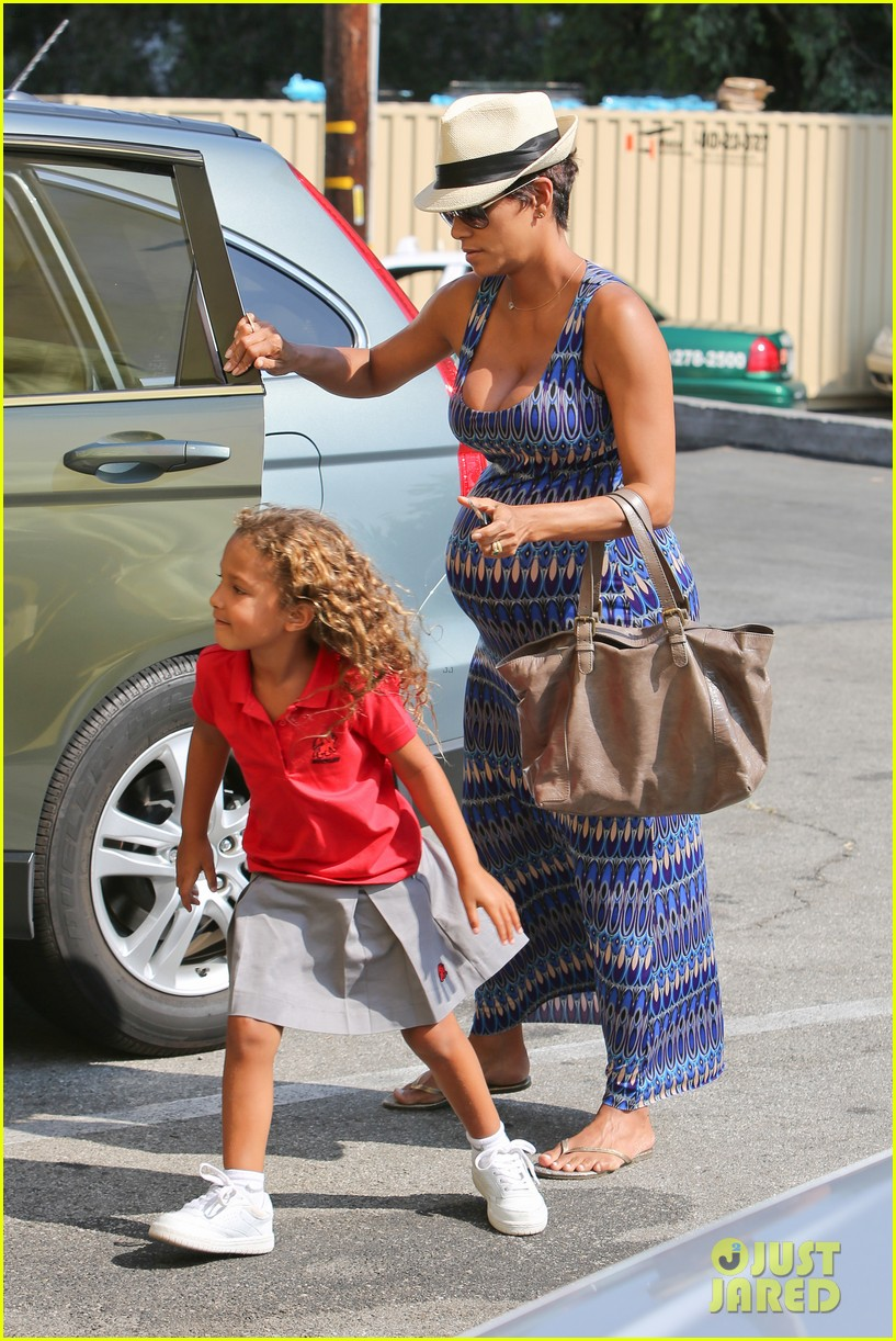 halle berry aahs shopping trip with nahla 06