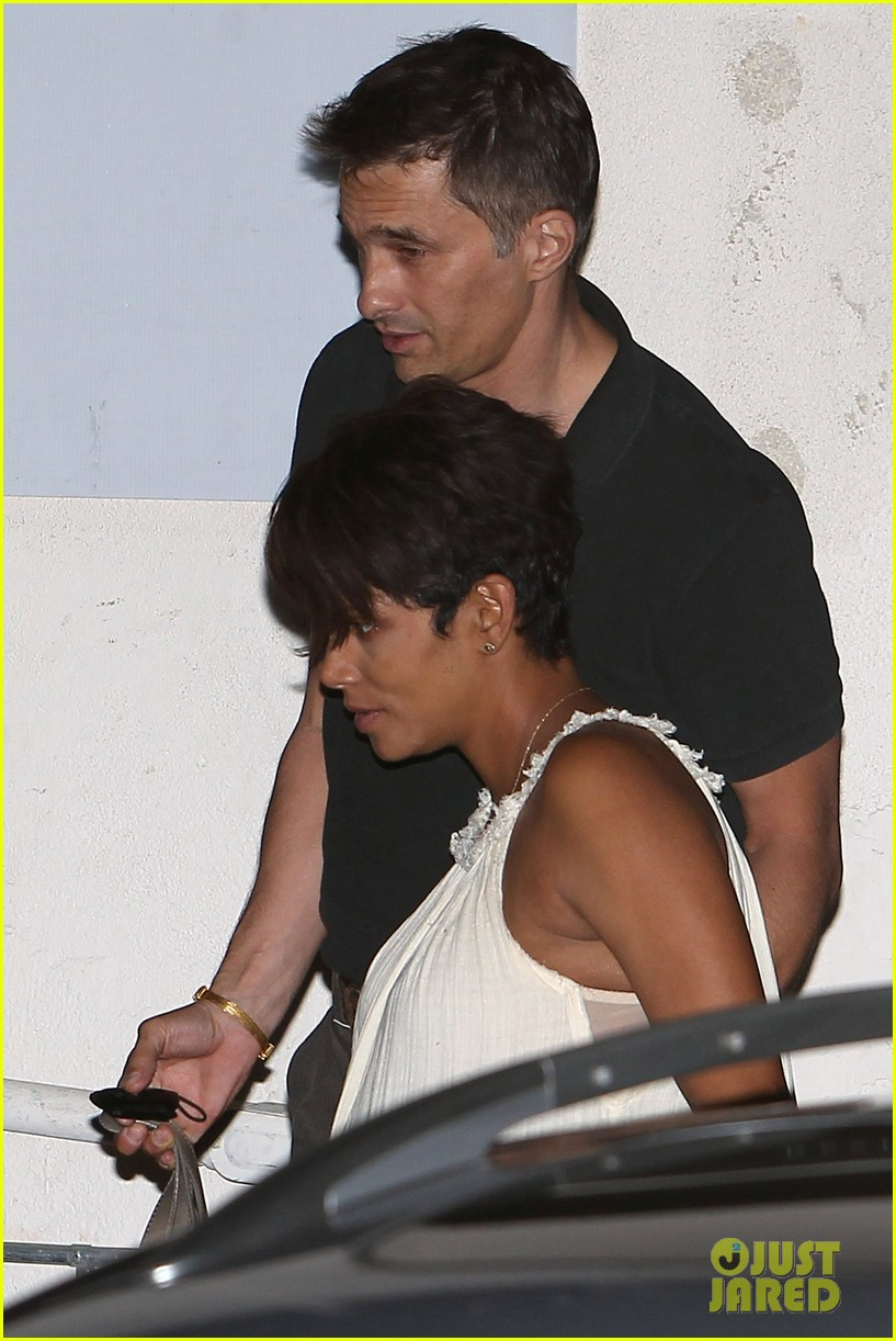 halle berry releases statement about anti paparazzi law 022960954