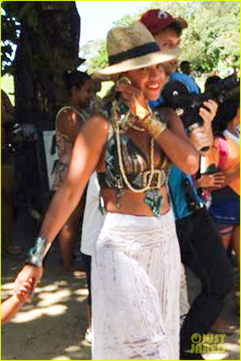 beyonce shows off soccer skills at brazil public school 09