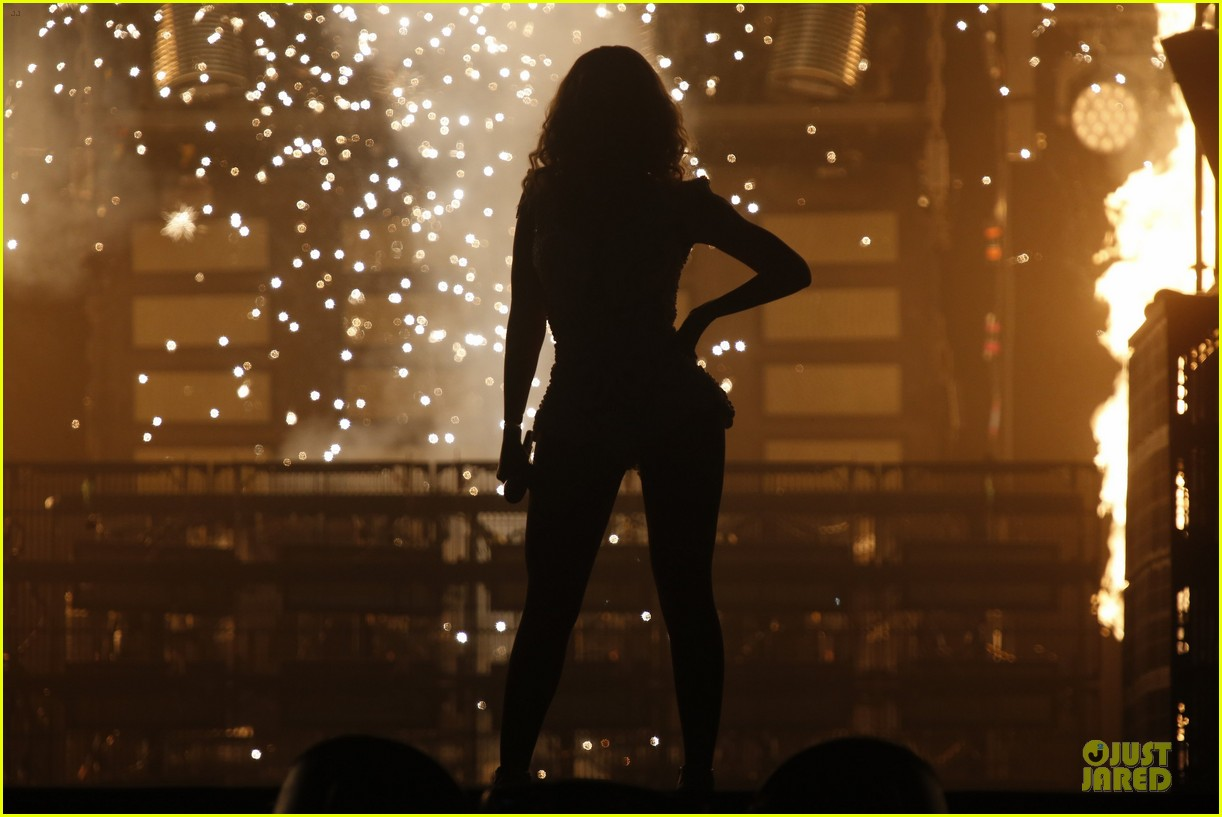 beyonce rock in rio opening night performer 11