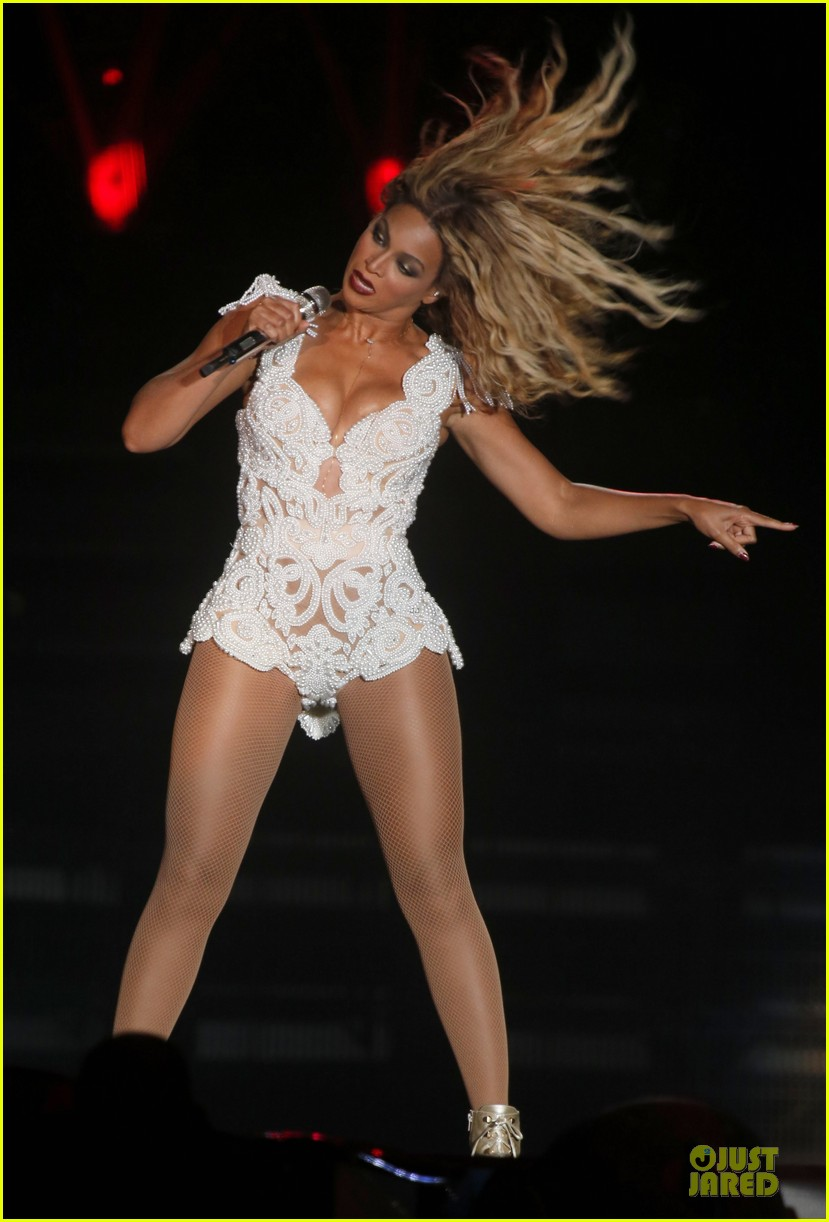 beyonce rock in rio opening night performer 17