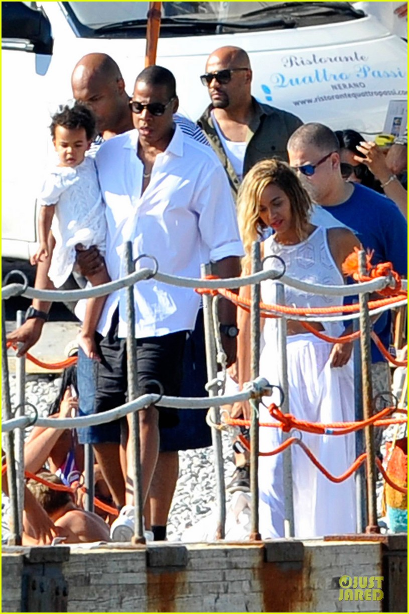 beyonce jay z italian yacht vacation with blue ivy 122945425