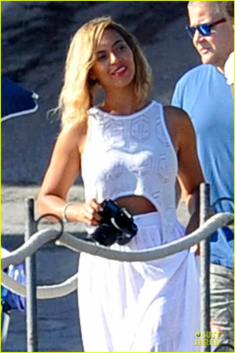 beyonce jay z italian yacht vacation with blue ivy 13