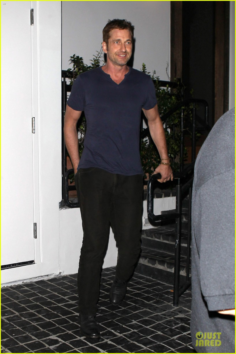 gerard butler cecconi dinner after god of egypt news 05