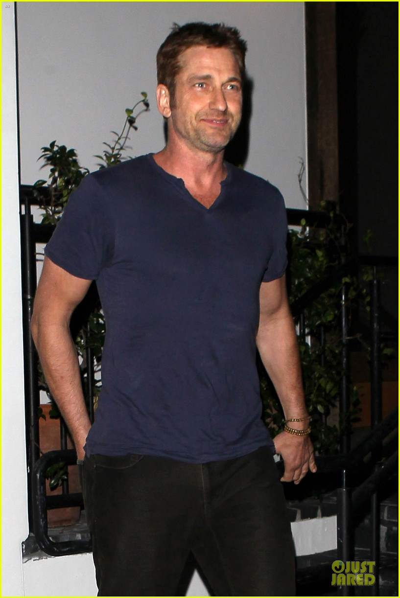 gerard butler cecconi dinner after god of egypt news 07