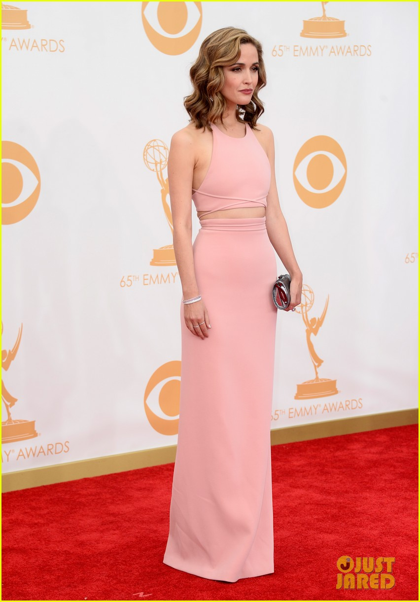 rose byrne bobby cannavale emmys red carpet 122958289