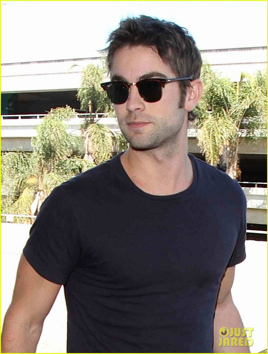 chace crawford low key arrival lax 03