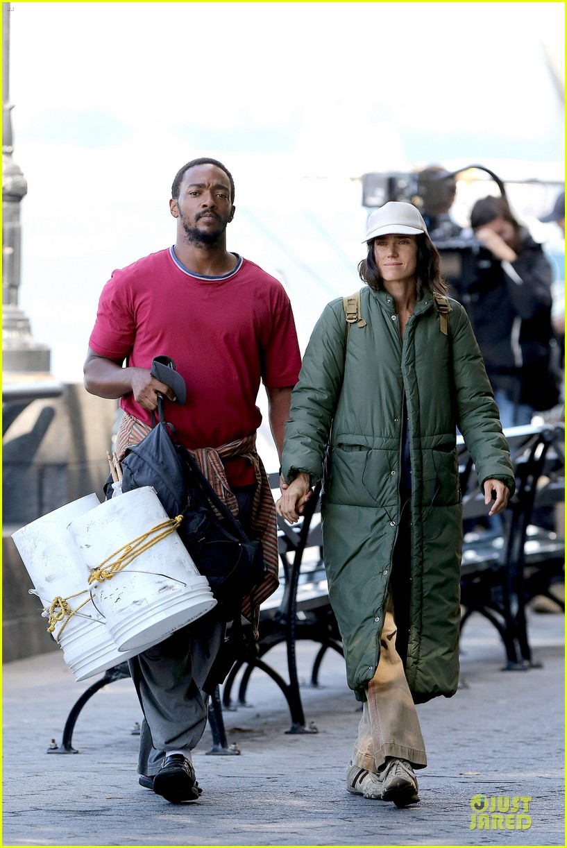 jennifer connelly anthony mackie hold hands for shelter 25