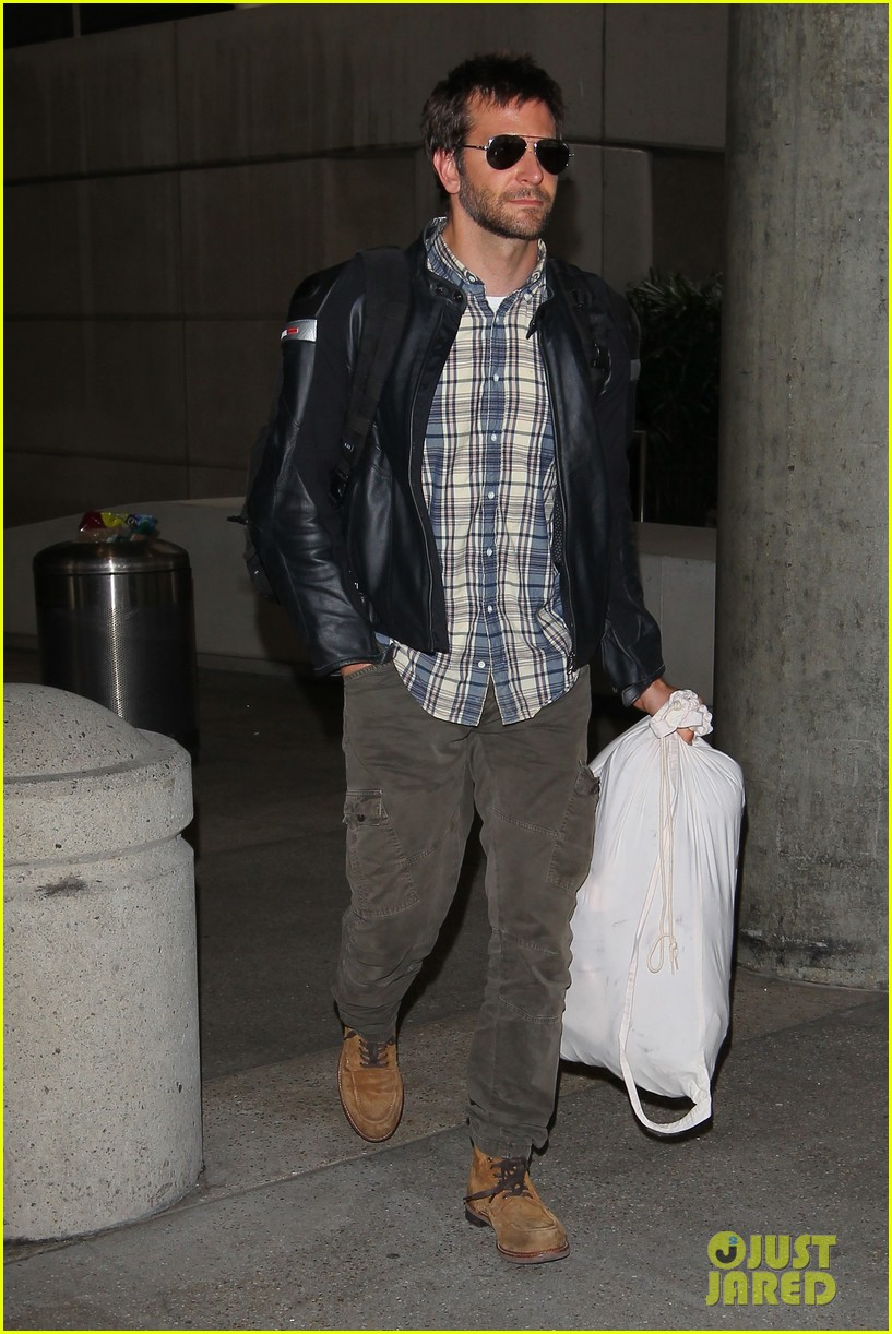 bradley cooper lands back home after press tour in spain 042949257