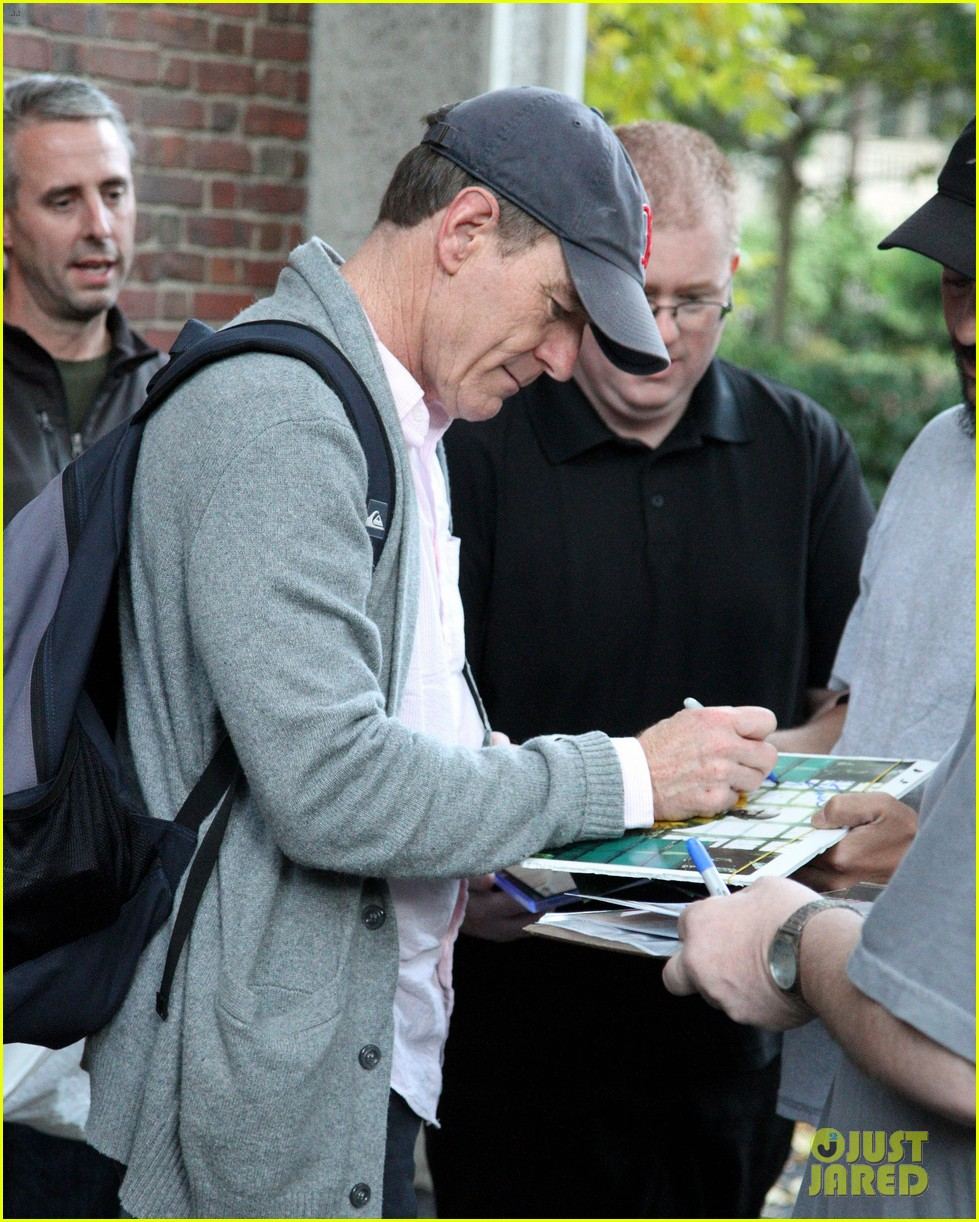 bryan cranston greets fans ahead of breaking bad finale 012961710