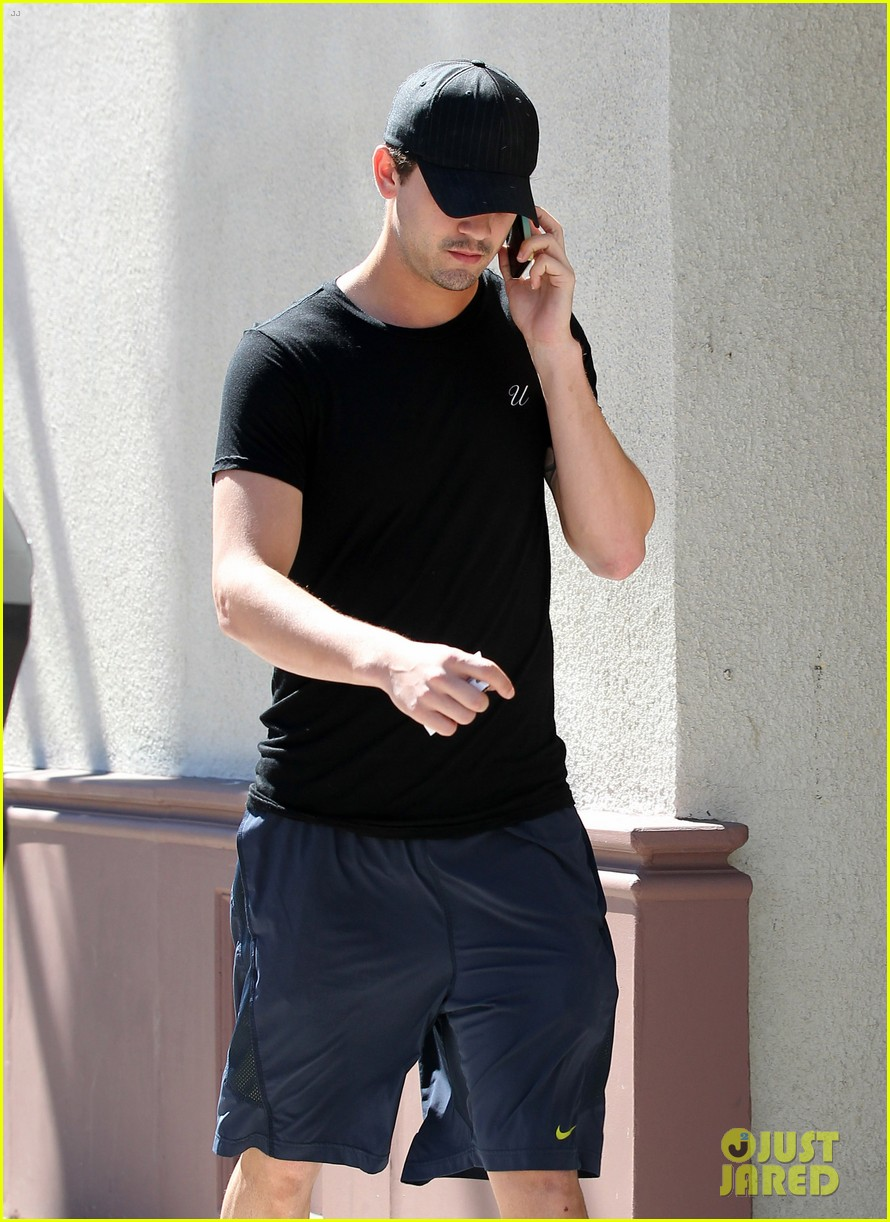kaley cuoco ryan sweeting step out after engagement news 25