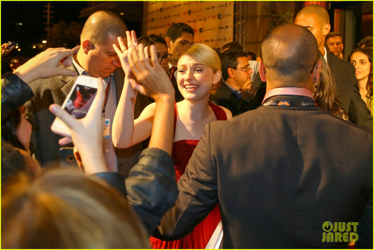 dakota fanning night moves rio premiere 19