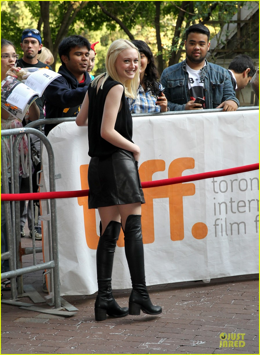dakota fanning the last of robin hood tiff premiere 07