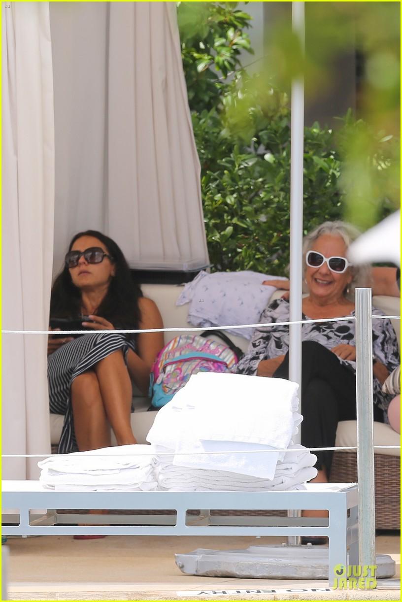 matt damon miami vacation with wife luciana girls 10