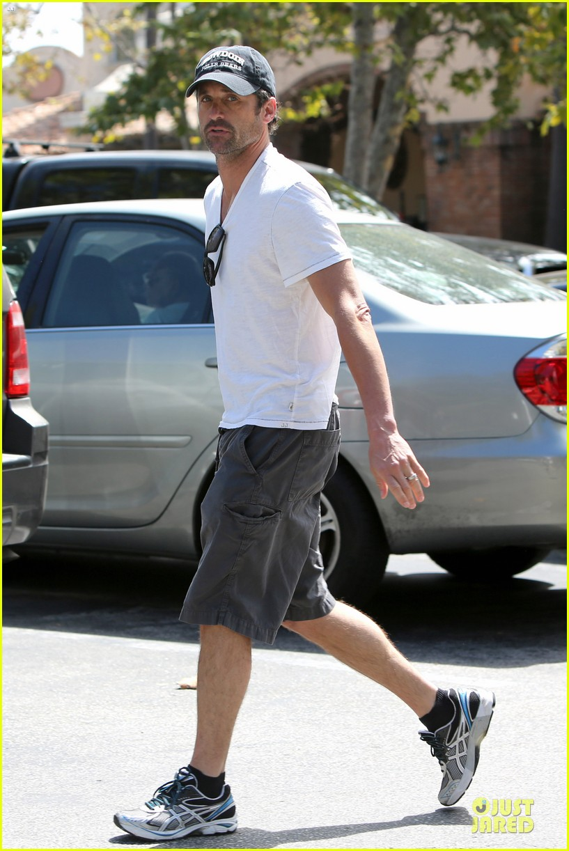 patrick dempsey labor day shopping after grand prix race 03