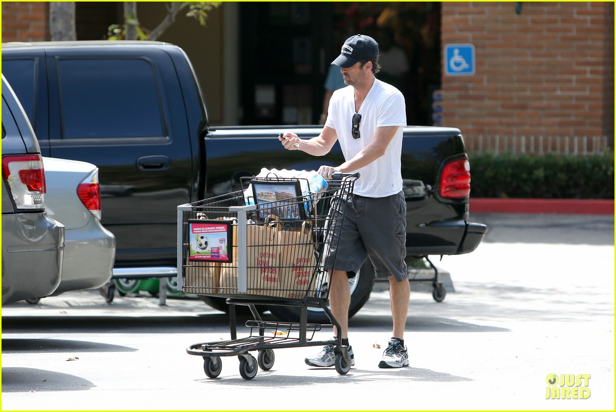patrick dempsey labor day shopping after grand prix race 12