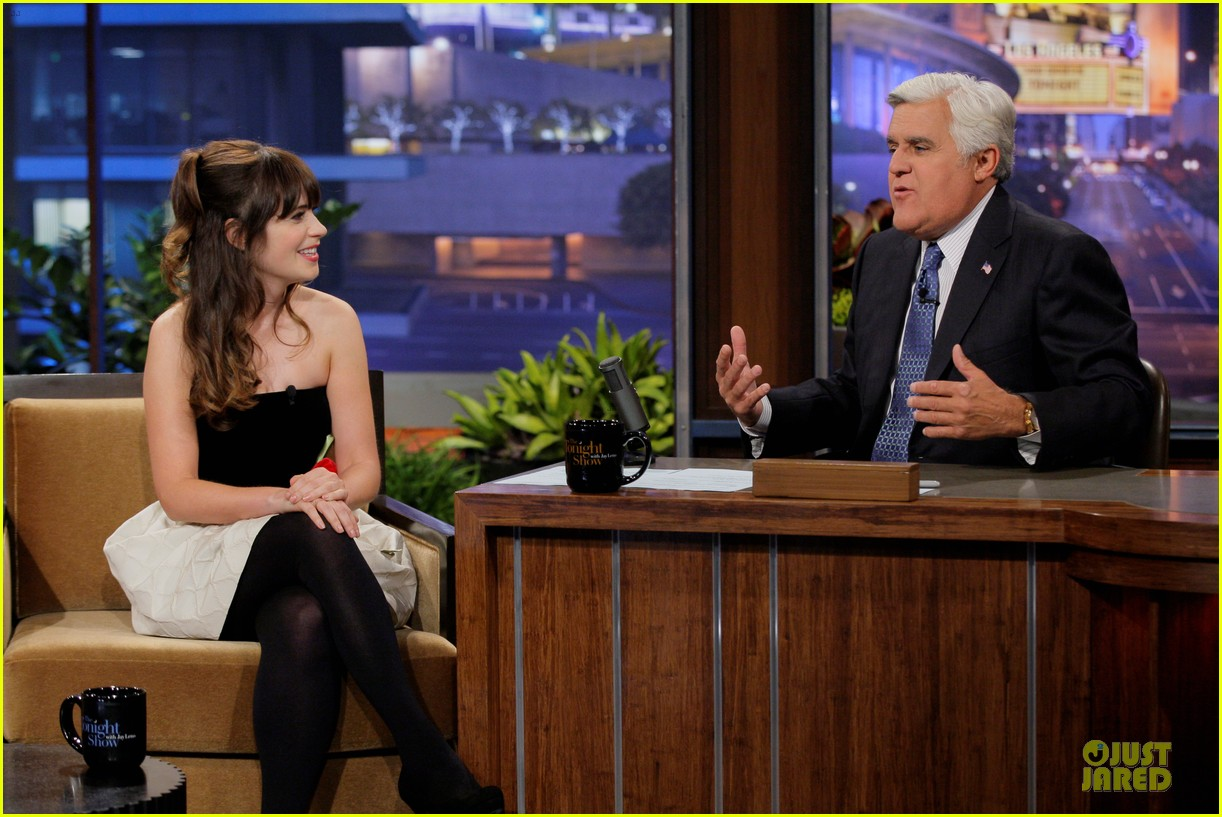 zooey deschanel talks haunted apartment on leno 032951787