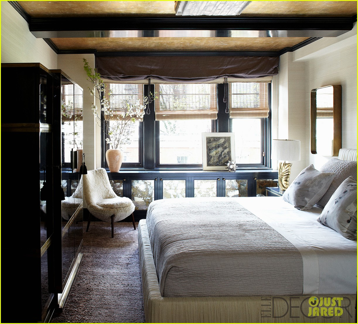 Full Sized Photo Of Cameron Diaz Shows Off Nyc Apartment