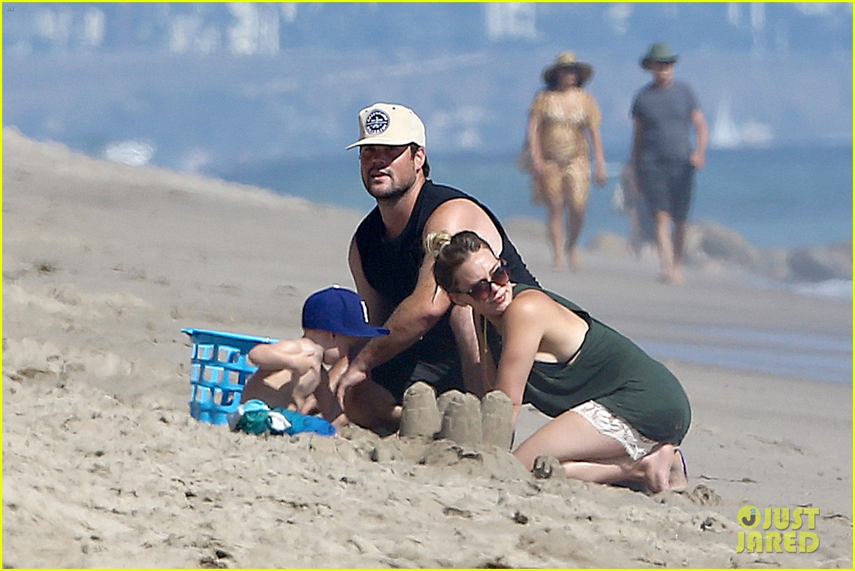 hilary duff mike comrie malibu beach with luca 202943523