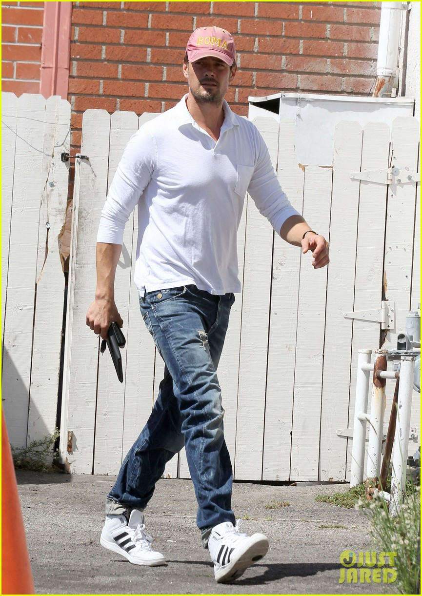 josh duhamel embraces new meaning of dilf 03